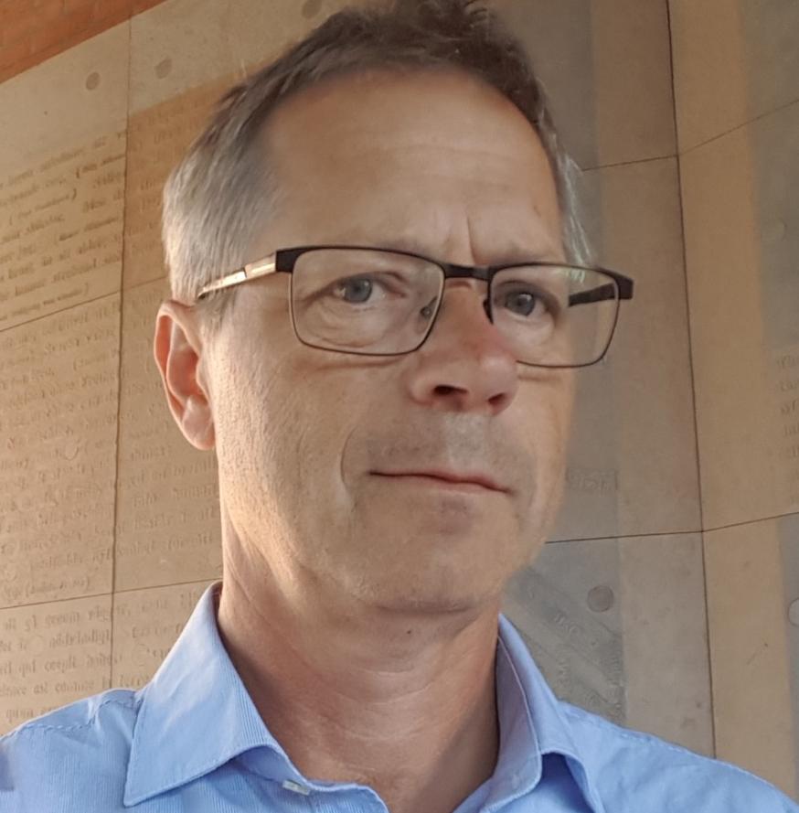Tor Ahlbäck